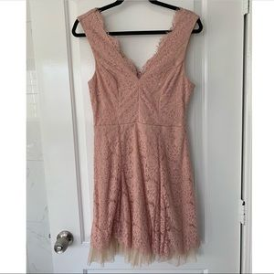 Lace Sweetheart Dress (new)